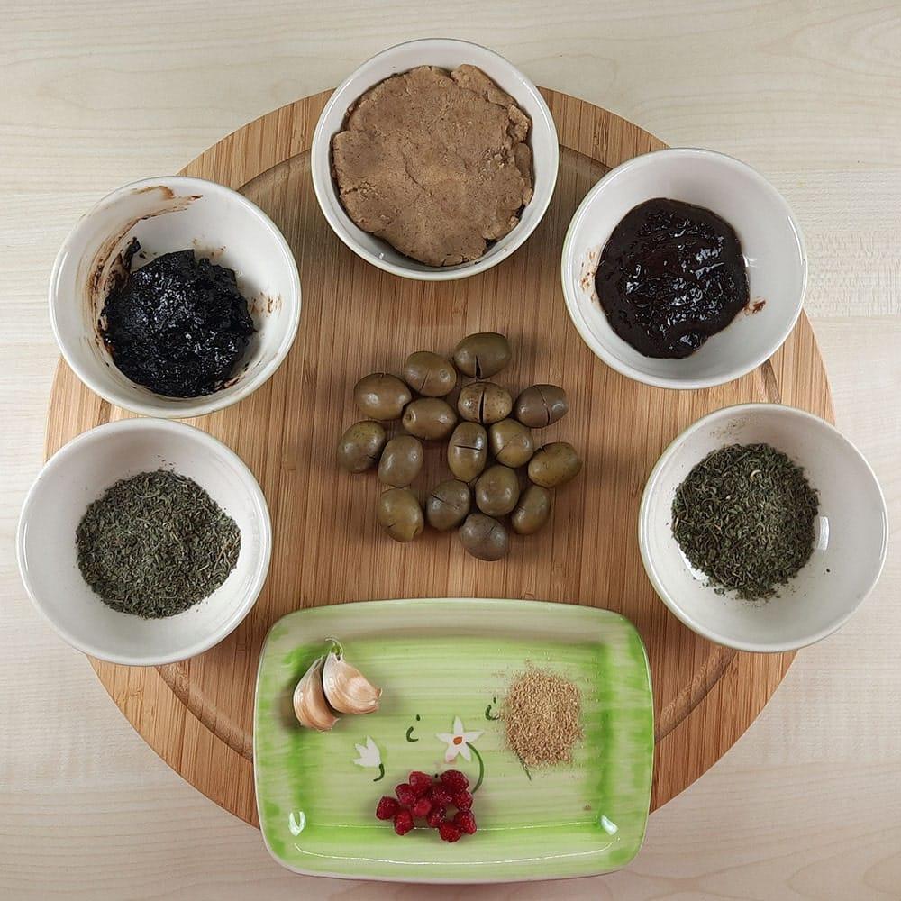 مخلفات زیتون پرورده و سبزی معطر